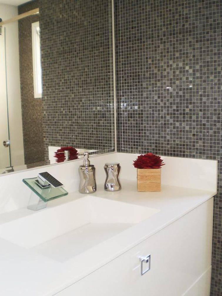Banheiro Pequeno Simples 36 Pia Esculpida Viviana